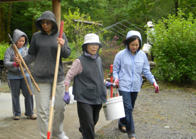(from left to right) Lien, Chin Nhi, Tina and Lily_ cleaning up gardening tools