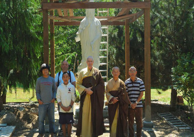 Dharma Master and disciples from CTTB visted SMM and gave hands in building Guan Shr Yin Bodhisattva's roof ~ summer 2012
