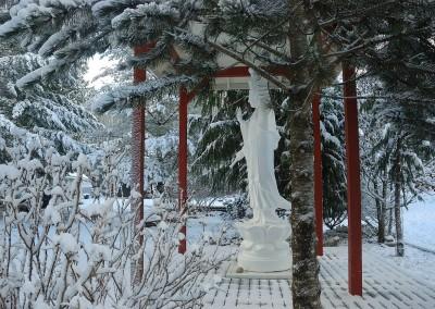 Gwan Shr Yin Bodhisattva -side view