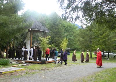 Circumambulating Gwan Shr Yin Bodhisattva
