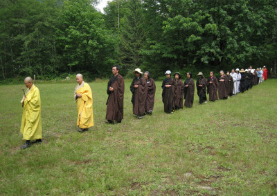 Dharma Master Jin Ying leads the assembly in Walking Recitation